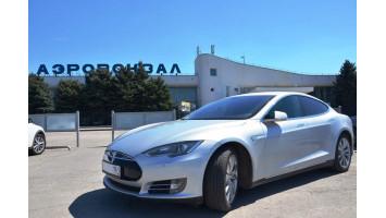 Аренда Tesla Model S без экипажа в Ростове-на-Дону